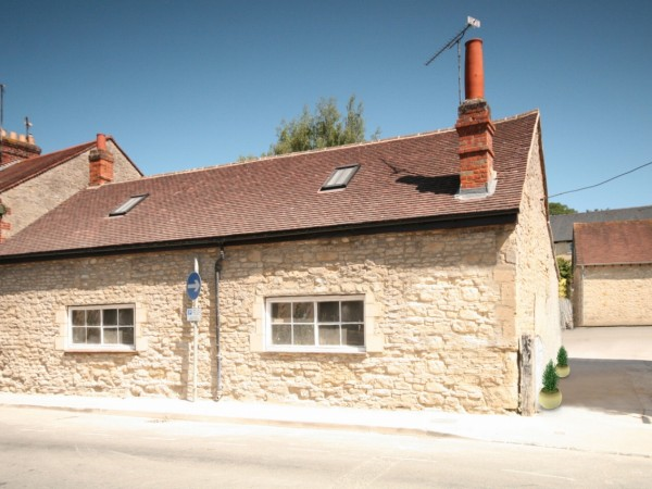 1 Bed Semi Detached Cottage For Sale - Main Image