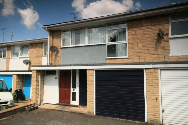 3 Bed Mid Terraced House For Sale