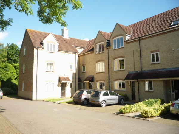1 Bed Second Floor Apartment To Rent - Main Image