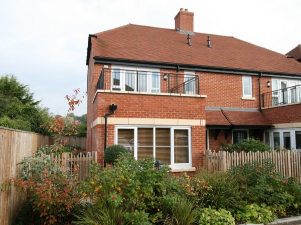 2 Bed Semi-detached House For Sale - Photograph 1