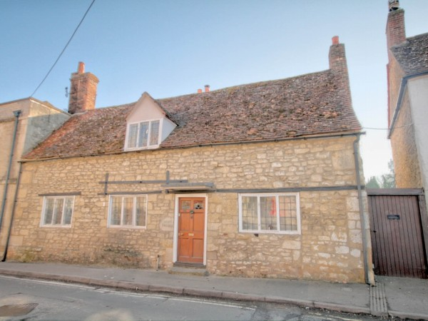 4 Bed Semi Detached Cottage For Sale - Main Image