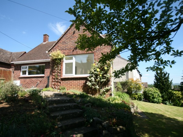 2 Bed Detached Bungalow To Rent - Main Image