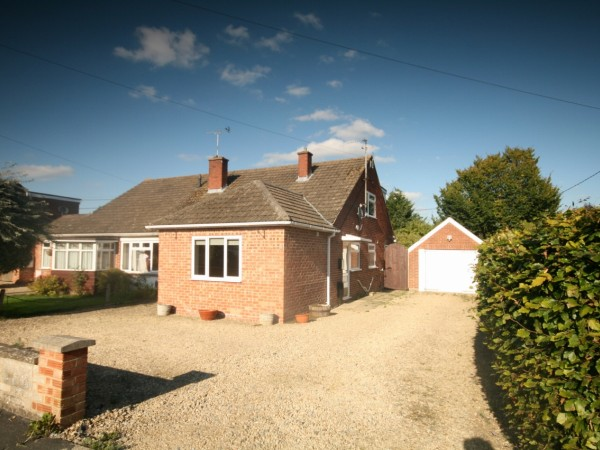4 Bed Semi Detached House For Sale - Main Image
