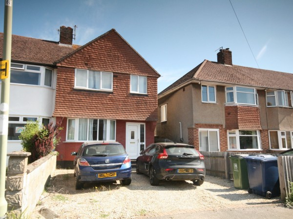 3 Bed Semi-detached House To Rent - Photograph 1