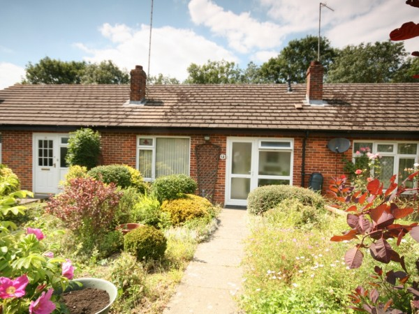 1 Bed Terraced Bungalow For Sale - Photograph 1