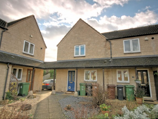 3 Bed End Terraced House For Sale - Front view