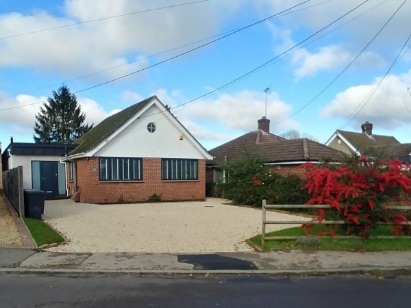 4 Bed Detached House For Sale - From the street