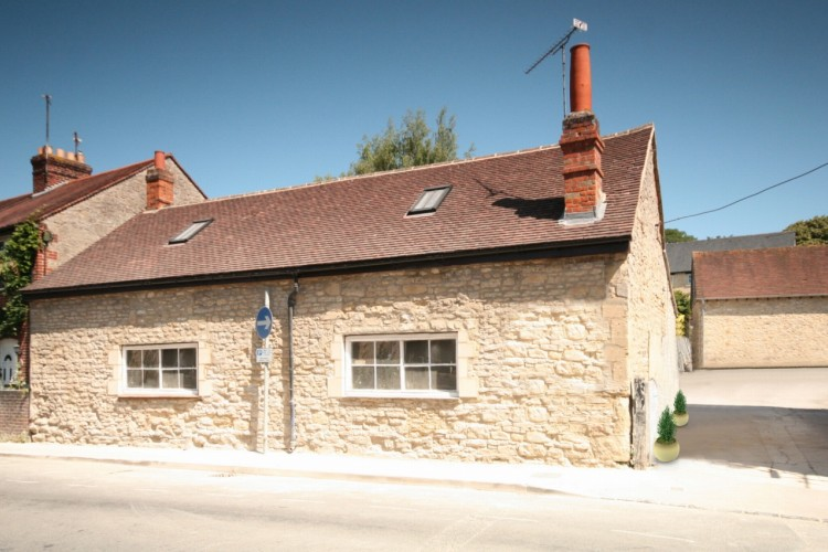 1 Bed Semi Detached Cottage For Sale